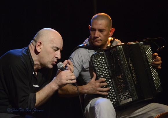 Patrick Ochs et Gilles Puyfagès (le samedi 5 octobre au Forum Léo-Ferré) Photo : Chantal Bou-Hanna