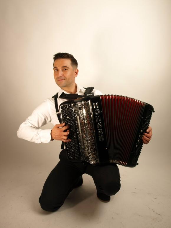 Le musicien : Olivier Selac. (Photos : C. Favre-Bulle)
