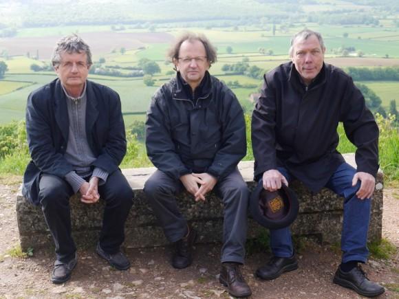 Le temps d'un séminaire, les trois gars sur un banc (sans compter le béret!) ont pris de la hauteur. Photo : S. Rivaux